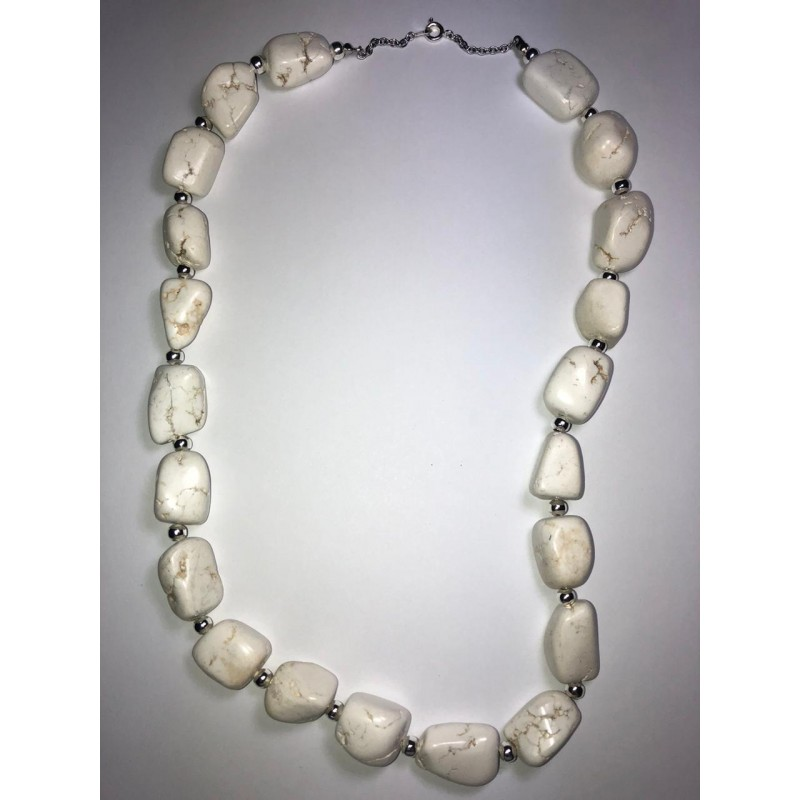 Collar de Piedras Howlita Blanca